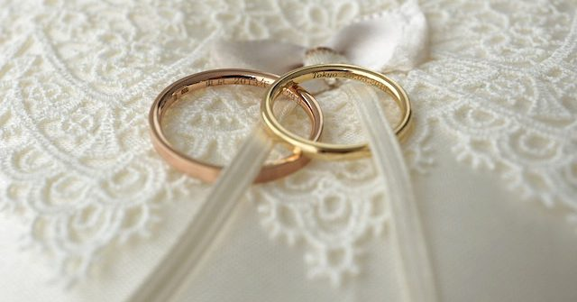 Engagement&Marriage Ring Story