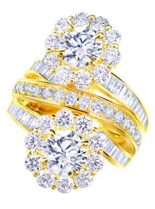使わなくなったジュエリーのダイヤモンドを余すことなく使ってデザインしたリ・スタイル(リメイク)リングの写真