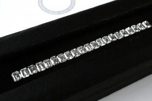 オーダージュエリーサロンで先ずはダイヤモンドを探すところから。
