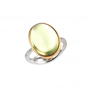 銀座ジュエリーサロンのオリジナルレモンクォーツカボションリングが爽やかな色です。