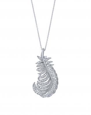 銀座オーダージュエリーサロンにて大好きな羽根のモチーフでペンダントを作る。