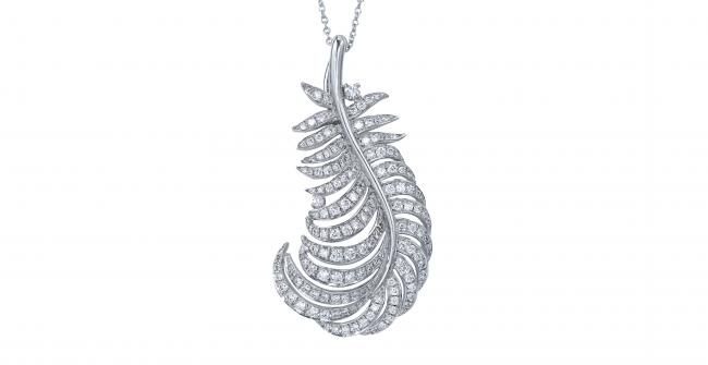 羽根のダイヤモンドネックレス