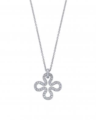 銀座ユンヌピエールアンプリュスのオリジナルダイヤモンドクローバーペンダントはダイヤモンドの質に拘っています。