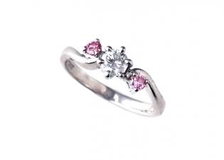 銀座のサロンでリフォーム(リスタイル)されたダイヤモンドリング