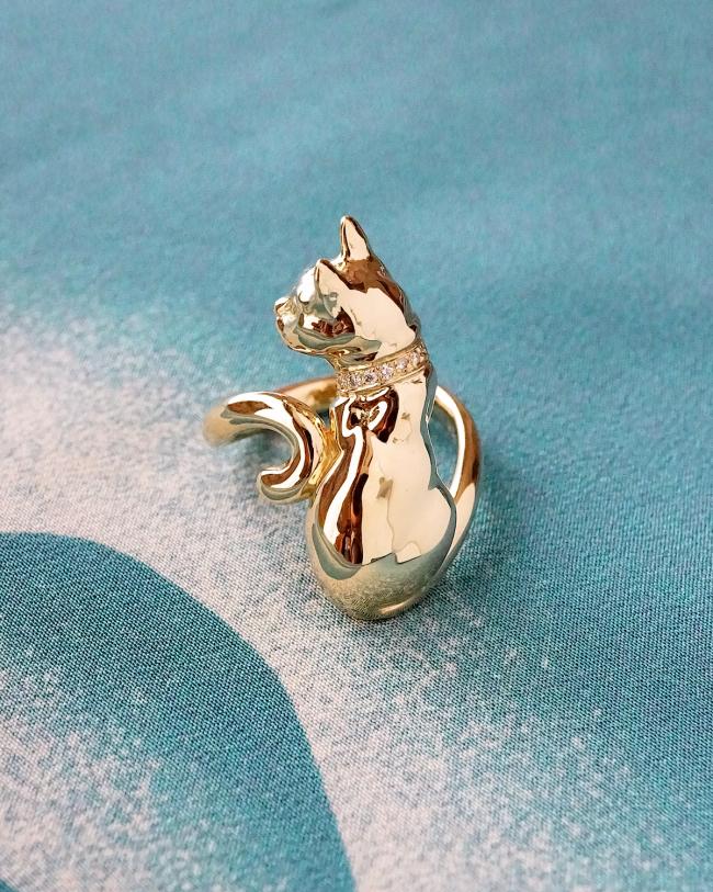 銀座ジュエリーサロンにてオーダーでお作りした愛猫リングが出来上がりました。