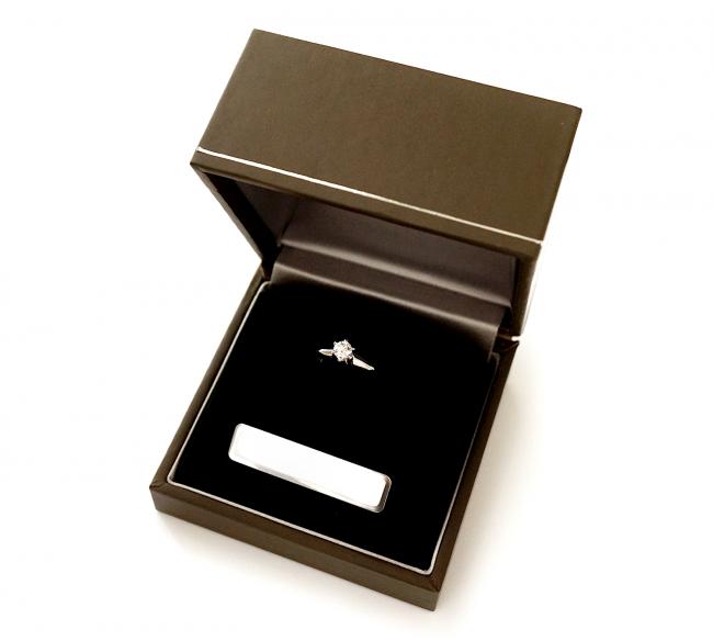 お母様のダイヤモンドをリフォームしてブライダルネックレスにリ・スタイル(リメイク)しました。