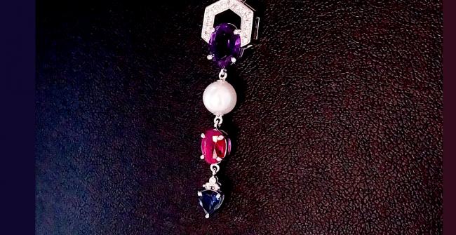 色石とパールのペンダントネックレス