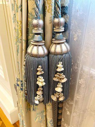 綱町三井倶楽部の室内装飾タッセルです