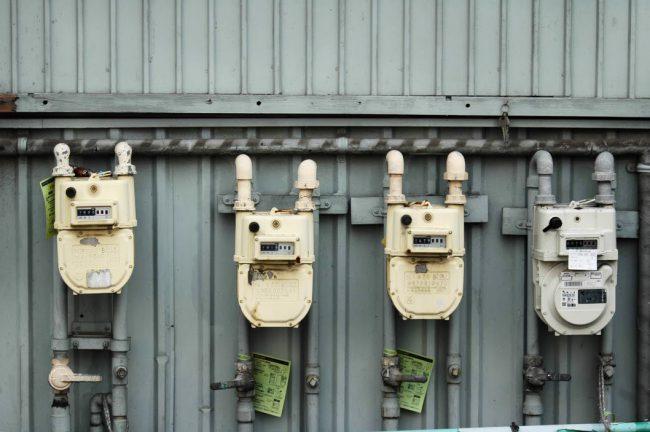 4台並んだガスメーターの写真