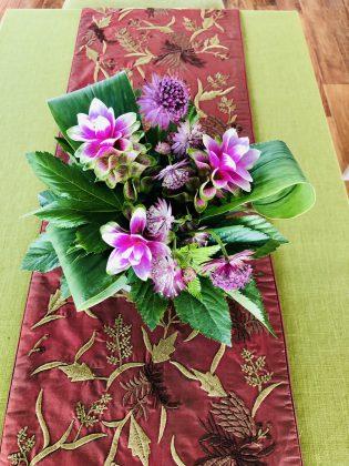 銀座1丁目ジュエリーサロンの花。