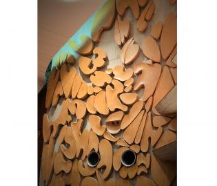 東京文化会館内のオブジェは彫刻家向井良吉氏の作品