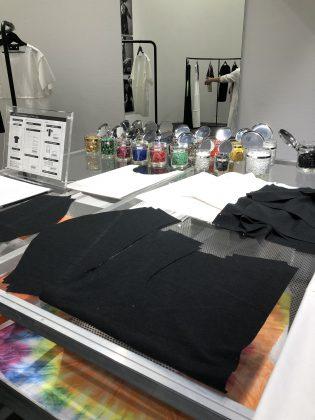カスタマイズ製法の服作り。