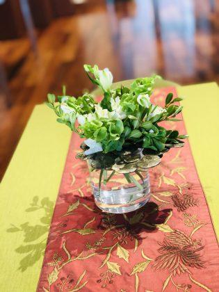 サロンを花で飾りましょう。