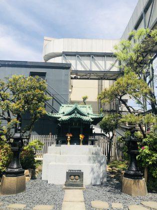 銀座を見守る稲荷神社の一社です。